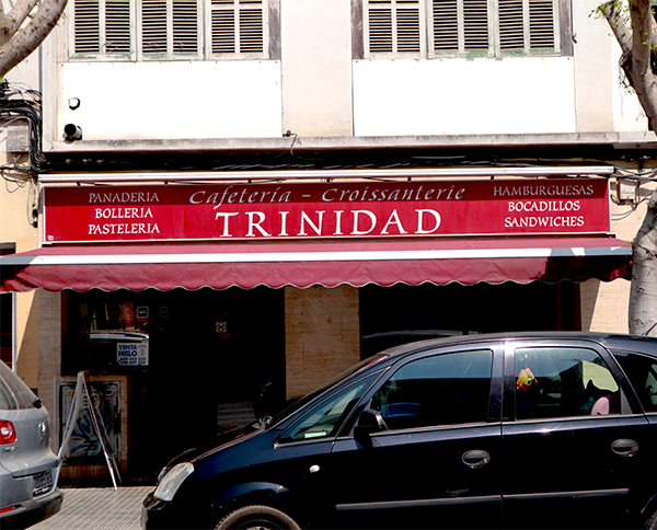 Trinidad-Cafe-outside- Pen & Wok Blog - PenAndWok.com - Cecilie's PenAndWok.com