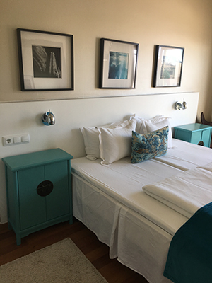 Feliz, room Hotel Feliz, Doggie Happiness in El Terreno  - PenAndWok.com - Cecilie's PenAndWok.com